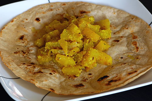 Green Papaya Curry with Sorghum Roti